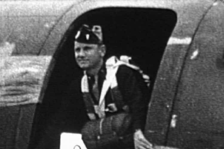 Maternowski-plane.jpg