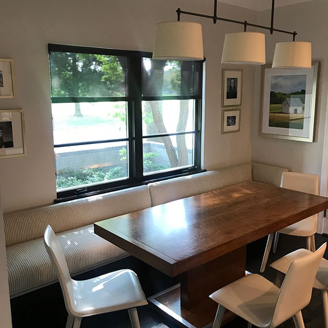 "Lovely sunlit breakfast nook. Less is more! Swipe to see ""before"". @visualcomfortco @roomandboard @leeindustries @kravetinc @circalighting"