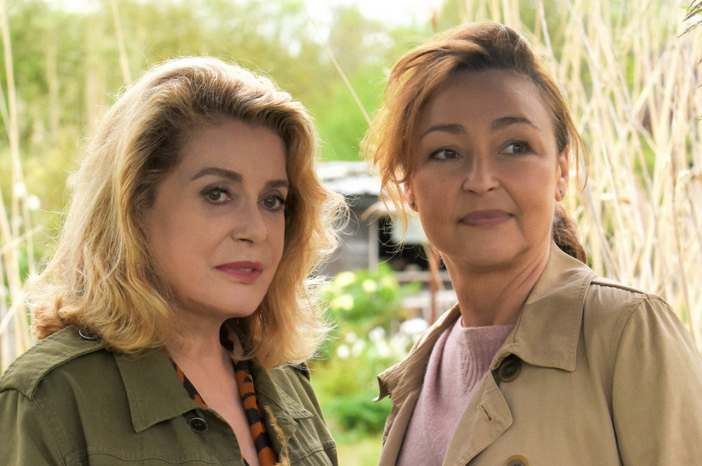 Two Catherines, Deneuve and Frot, bond in The Midwife