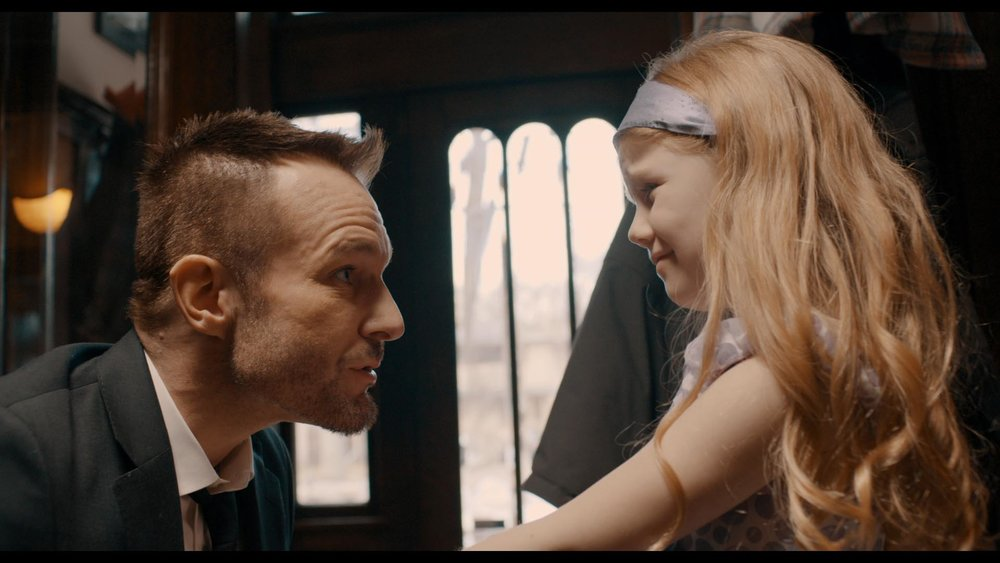 Like father like daughter. Michael Edlund's Gus is very good dad, for a career criminal