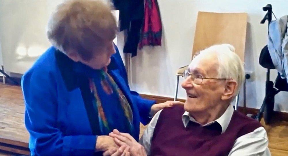 Auschwitz survivor Eva Kor forgives former SS officer Oskar Groning, creating an uproar