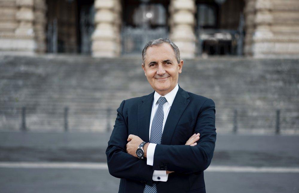 foto linkedin avvocato profilo professionale Roma.jpg