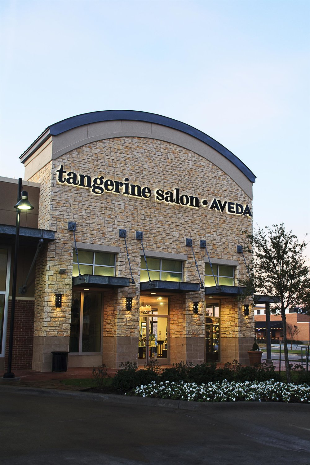 Tangerine Salon in Highland Village / Flower Mound offers the best in haircut and color services.