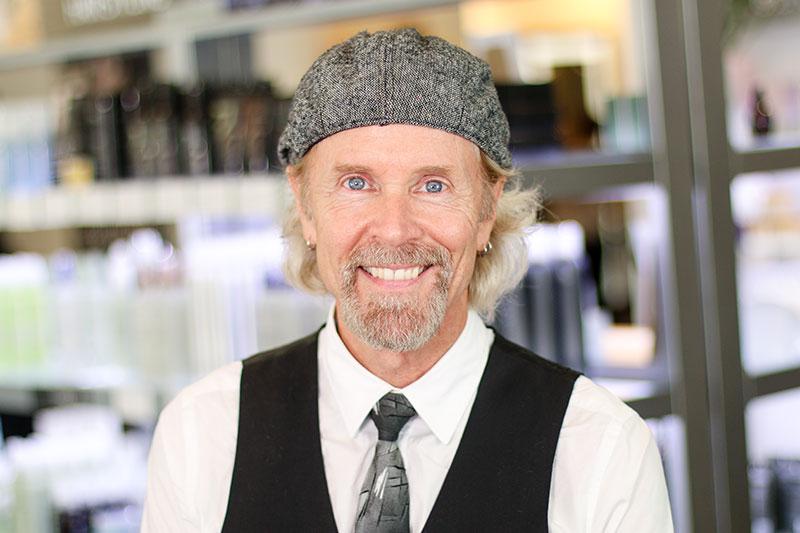 <p><strong>Bill Brooks</strong>Master • Allen<a href=https://tangerinesalon.net/bill-brooks>Learn More →</a></p>