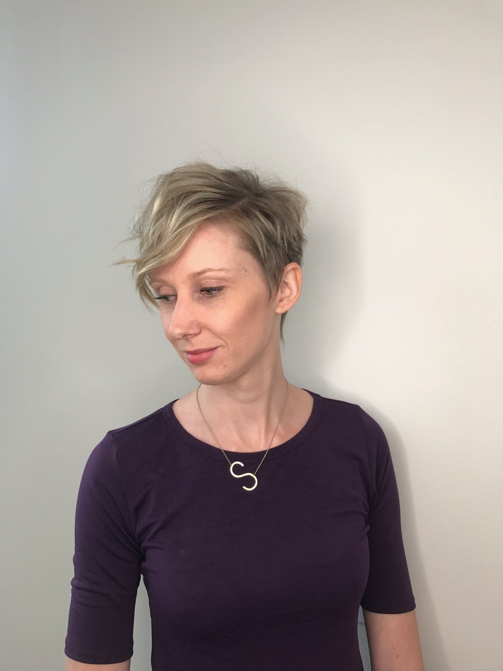 blonde pixie haircut dallas hair salon.JPG
