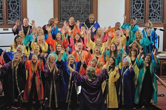 We had so much fun singing at our Harvest Concert, we're going to do it all over again! Mark your calendars for our Holiday Concert on Saturday, Dec. 8 at 7 p.m. at the Arcata Presbyterian Church. See link in bio for details. (Photo: Matt Niesen)  #arcata #interfaith #gospelchoir #humboldt #harvestconcert #praise #joyfulnoise #singyourheartout