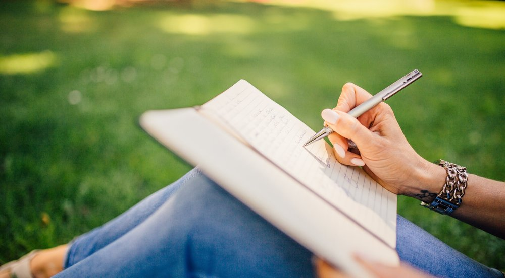 hand-journal-notebook-34072.jpg