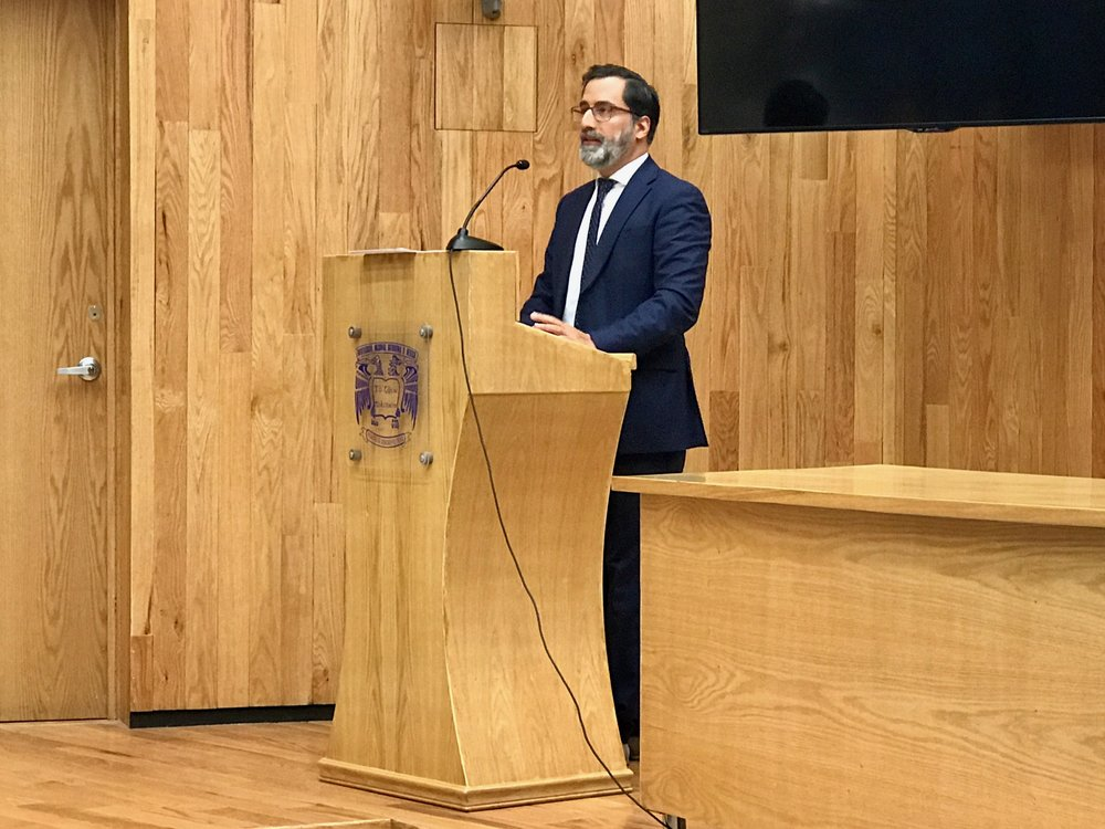 Alex giving a lecture at UNAM University in Mexico City in May 2017. Topic was the surge of populists and the religious and nationalistic rhetoric narratives they use to convince their electorate.