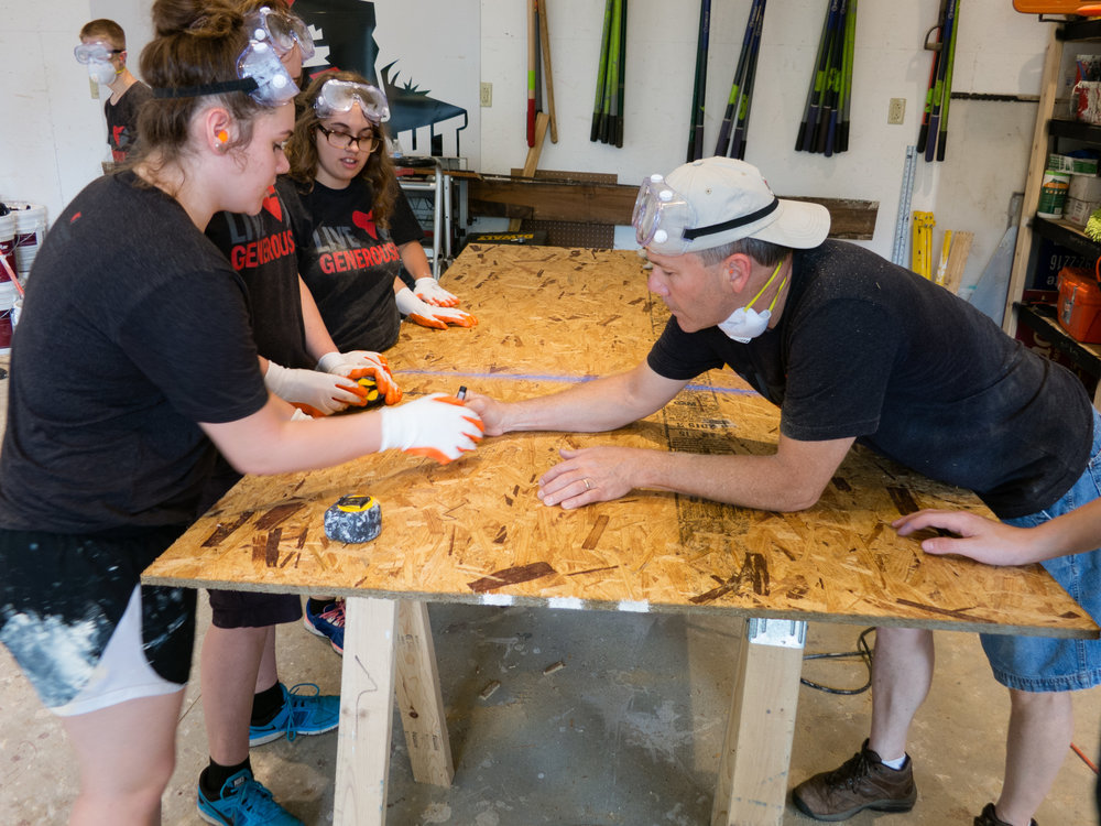 2015-06-15_7104_IMG_Dv - Mission Trip - YNDC - Measuring Cutting Painting - 85Q.jpg