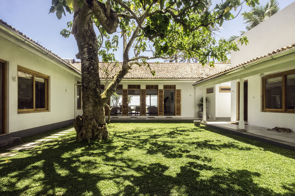 The view of Tea Tree Villa as you walk through the front gate