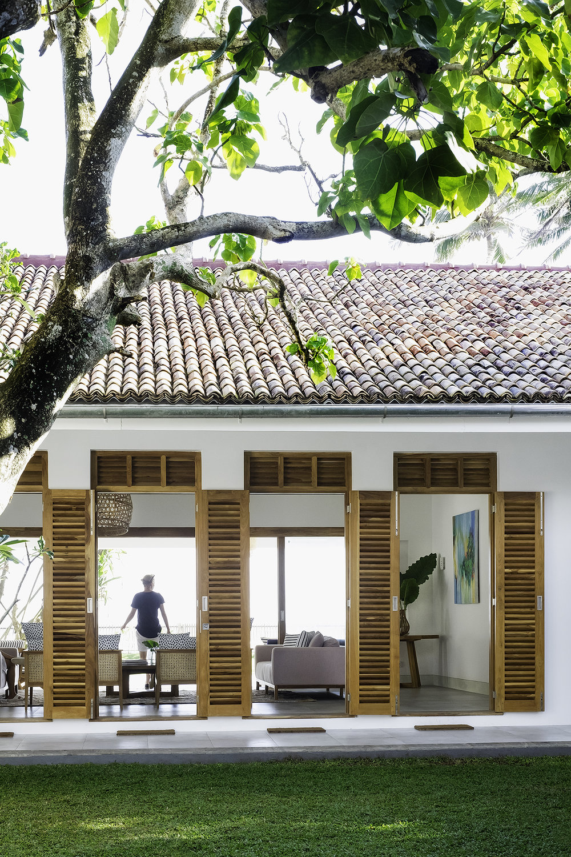The unique 5-door entrance to Tea Tree