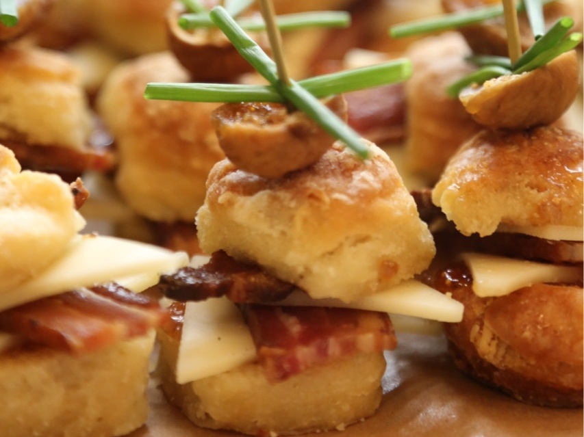 FIG & BACON MINI BISCUIT