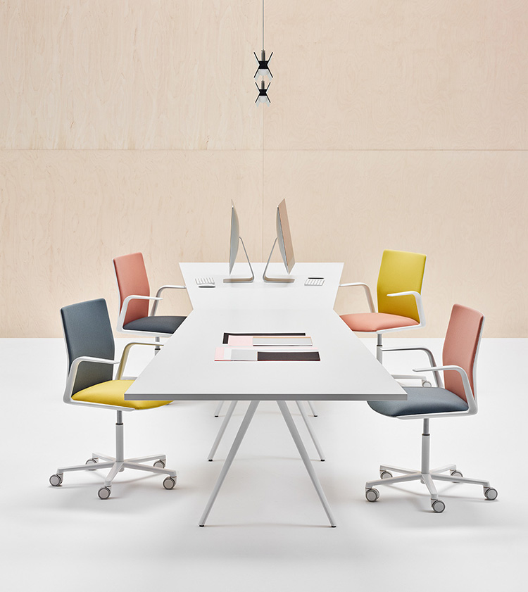 Arper - Sofas & Tables