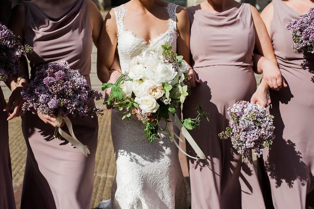 Lilac bridesmaids bouquets