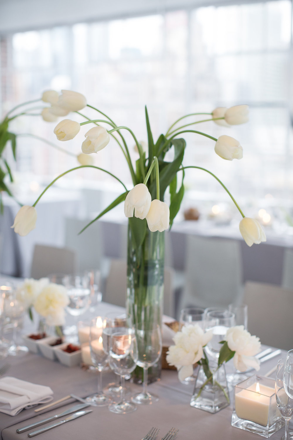 Simple + Elegant Tulips and Whites