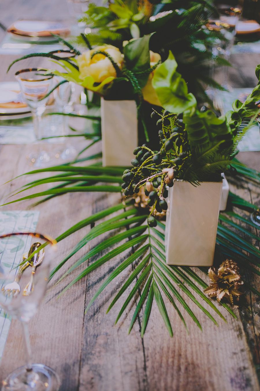 Tropical inspired centerpiece