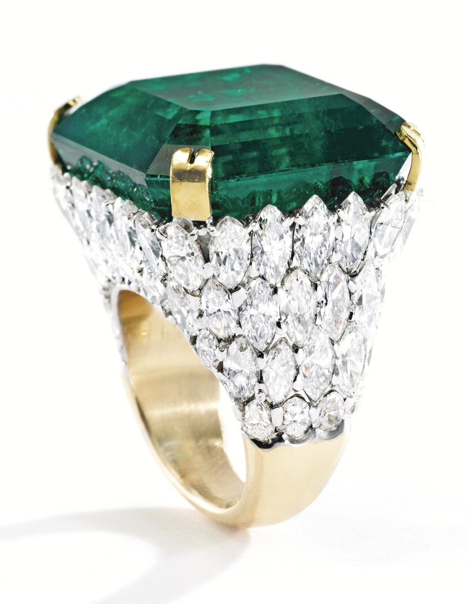 Lot-419-2-MAGNIFICENT-PLATINUM-18-KARAT-GOLD-EMERALD-AND-DIAMOND-RING-931x1200.jpg