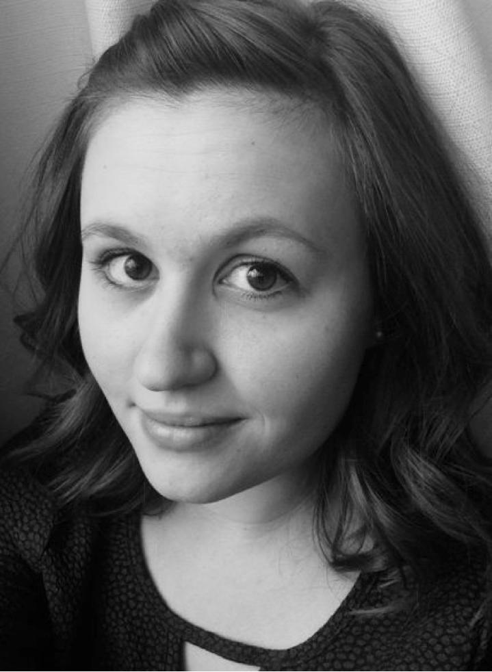Lauren_Hodgson