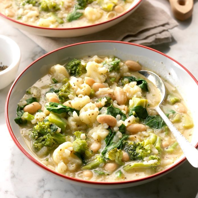 Arborio-Rice-and-White-Bean-Soup_EXPS_SDFM18_190100_D10_06_4b-2-696x696.jpg