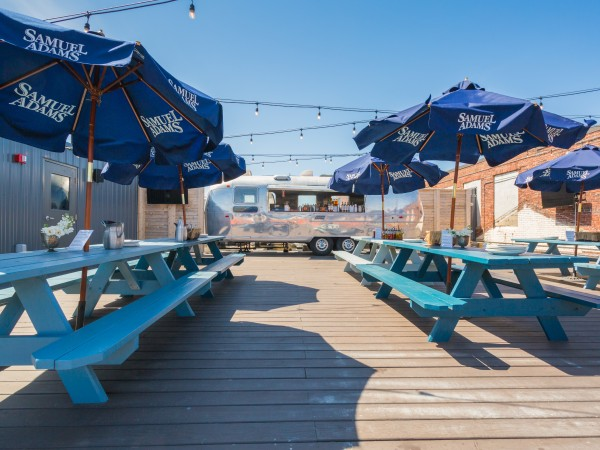 The Airdeck @ Coppersmith - Am I in LA? (via coppersmith.com)