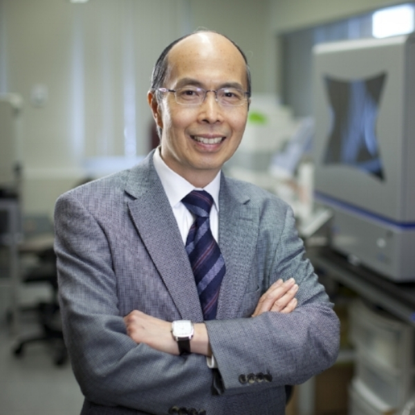 Dr. Stephen Lam MD, FRCPC - Professor of MedicineUniversity of British ColumbiaChair Lung Tumor Group, BC Cancer AgencyDistinguished Scientist,Leon Judah Blackmore Chair & MDS-Rix Director, Lung Cancer ResearchBC Cancer Research Center