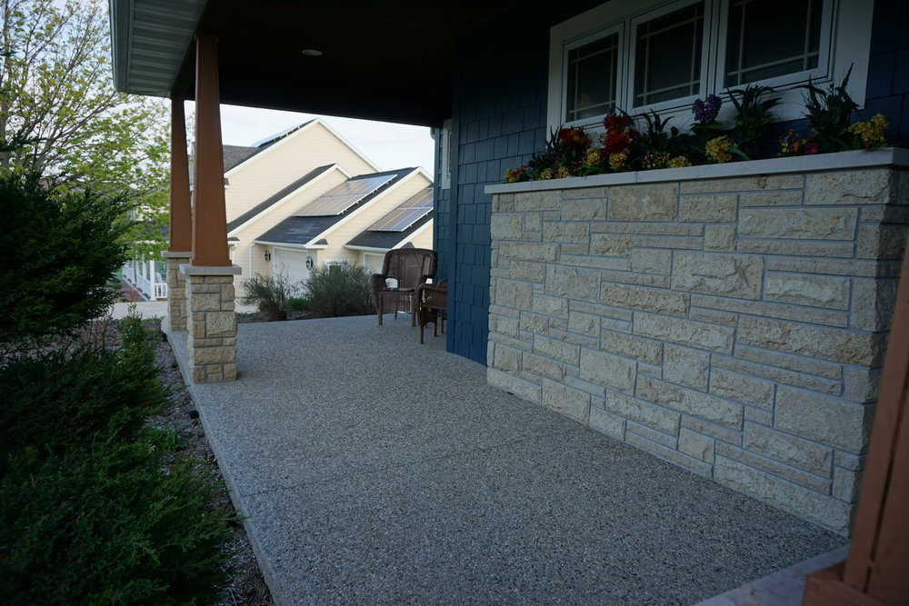 Front porch with stone planter