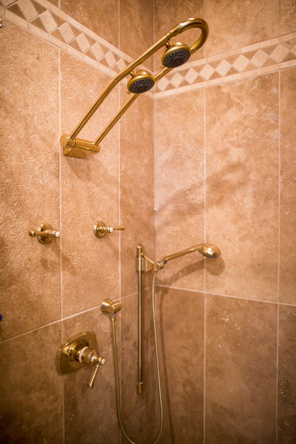 MASTER SHOWER WITH THREE SHOW HEADS