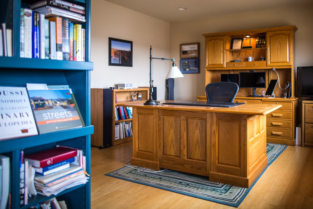Office  with a top notch view and hardwood bamboo floors