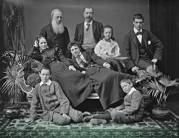 Circa 1890 // Family group from the Poole Collection in the National Library of Ireland.