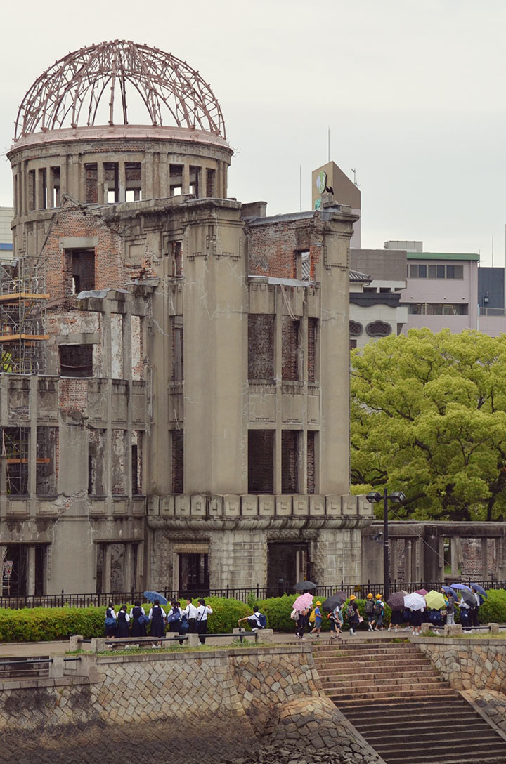 Over 70,000 people were killed instantly in the atomic bombing of Hiroshima