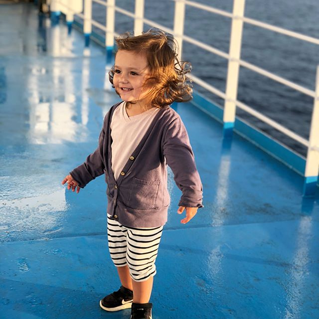 Toddlers on ferries, one part pure magic, one part pure terror. 😍😬