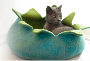 Hand crafted wool cat caves and toys http://dharmadogkarmacat.com/ Email: info@distinctlyhimalayan.com PHONE: 845-876-6331