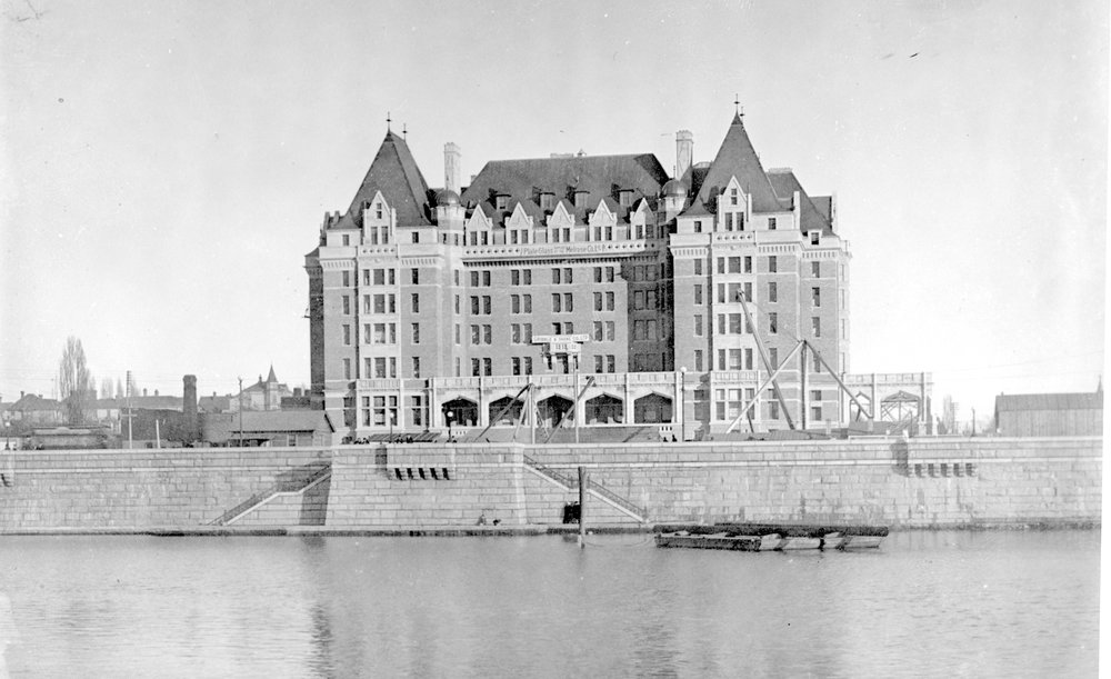 The first phase of the Empress Hotel near completion. Image B-04739 courtesy of the Royal BC Museum and Archives.