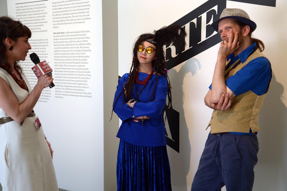 艺术越界者TanBo组合在接受媒体采访
