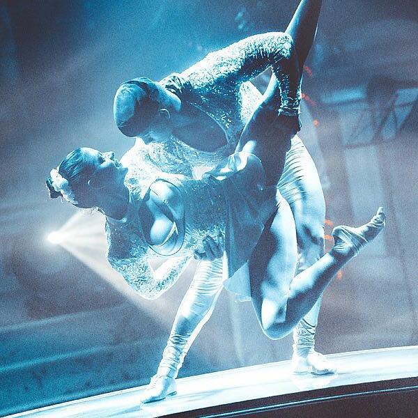 Duo-Acrobatics —  Manuel Acosta and Illenay Pena