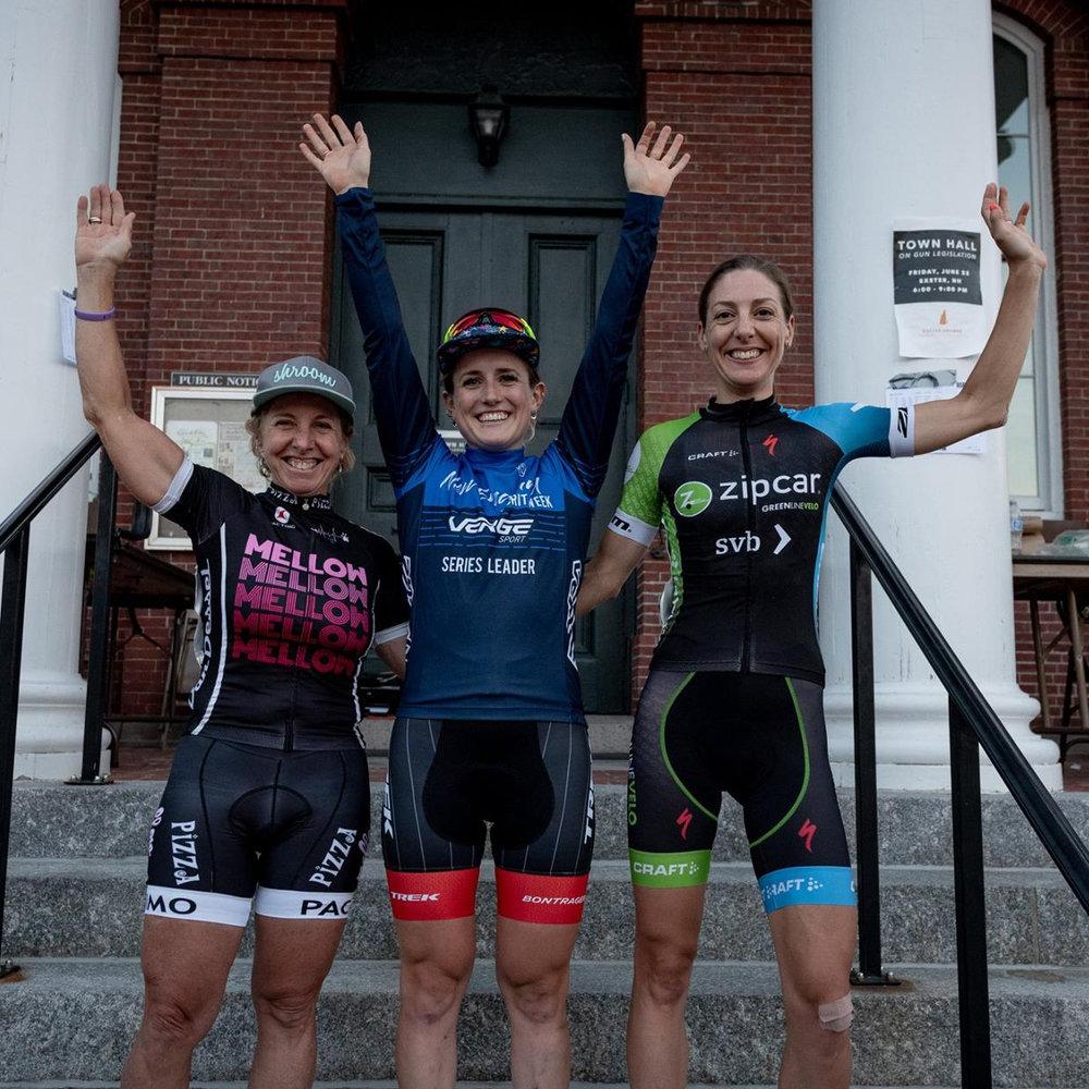 Laura Van Gilder (Mellow Mushroom/Van Dessel), Ellen Noble (Trek Factor Racing), Regina Legge (Green Line Velo)