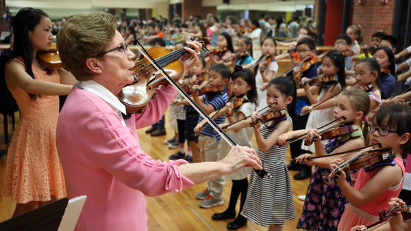 Brian Cassella/Chicago Tribune   Betty Haag   A vital musical link - Betty Haag carries on Suzuki method with a new generation of students. For  Chicago Tribune
