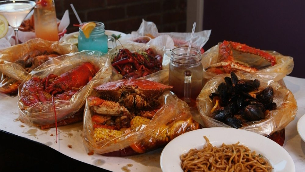 shaking crab table.jpg