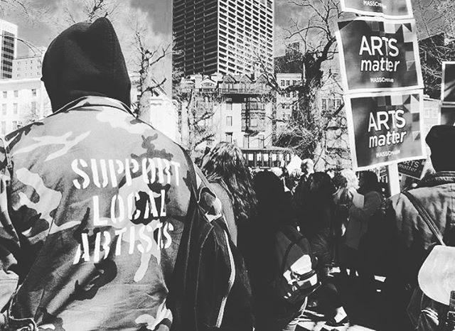 SUPPORT LOCAL ARTISTS @bostonphilharmonic @masscreative @thecanofcorn #supportlocalartists 📸: @bostonphilharmonic . . . . . #art #artlife #support #localart #painting #music #poetry #dancing #hiphop #clothing #screenprinting #cooking #movement #culture #worldwide #spraypaint #drawing #graffitiart #gymforartists #makeupartist #selfmadedesigns #createlocalartists #artconnects #boston #massachusetts