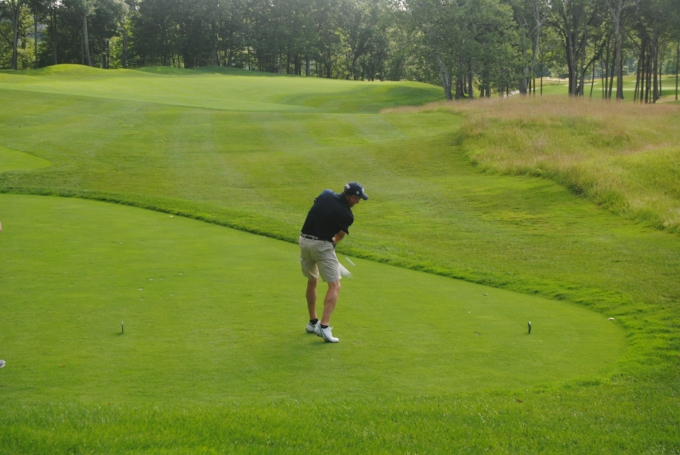 Kevin hits his tee shot on the very tough 12th hole