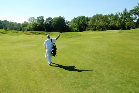 I get a thumbs up from Bill that my layup on the Par 5 8th hole landed on the upper tier of this two tier fairway.
