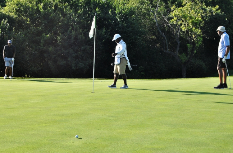 A birdie opportunity on the 2nd green.