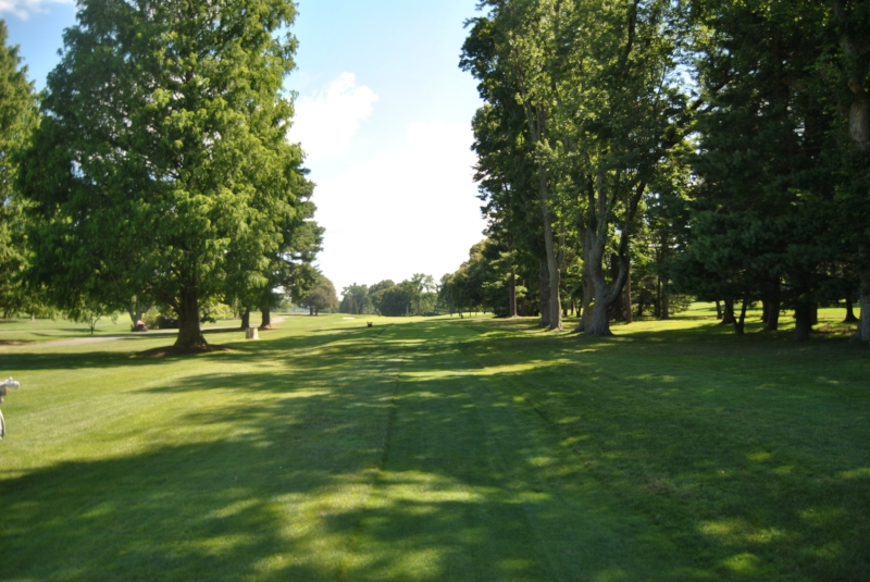 The narrow 17th Fairway