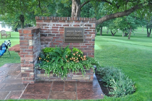 Plaque commemorating Arnold Palmer's 1960 US Open win at Cherry HIlls