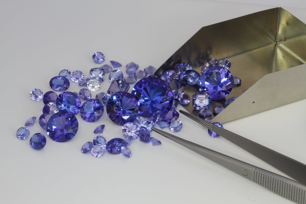 Smaller tanzanite is usually a lighter color than larger tanzanite..jpg