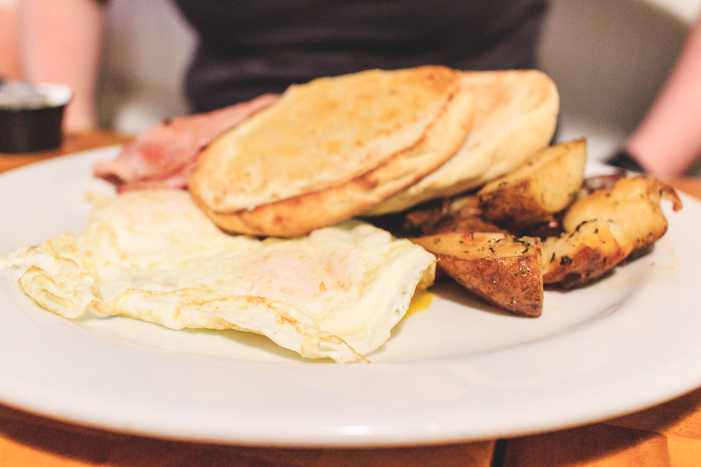 Corner Cafe - a hip cafe that offers breakfast, lunch AND dinner