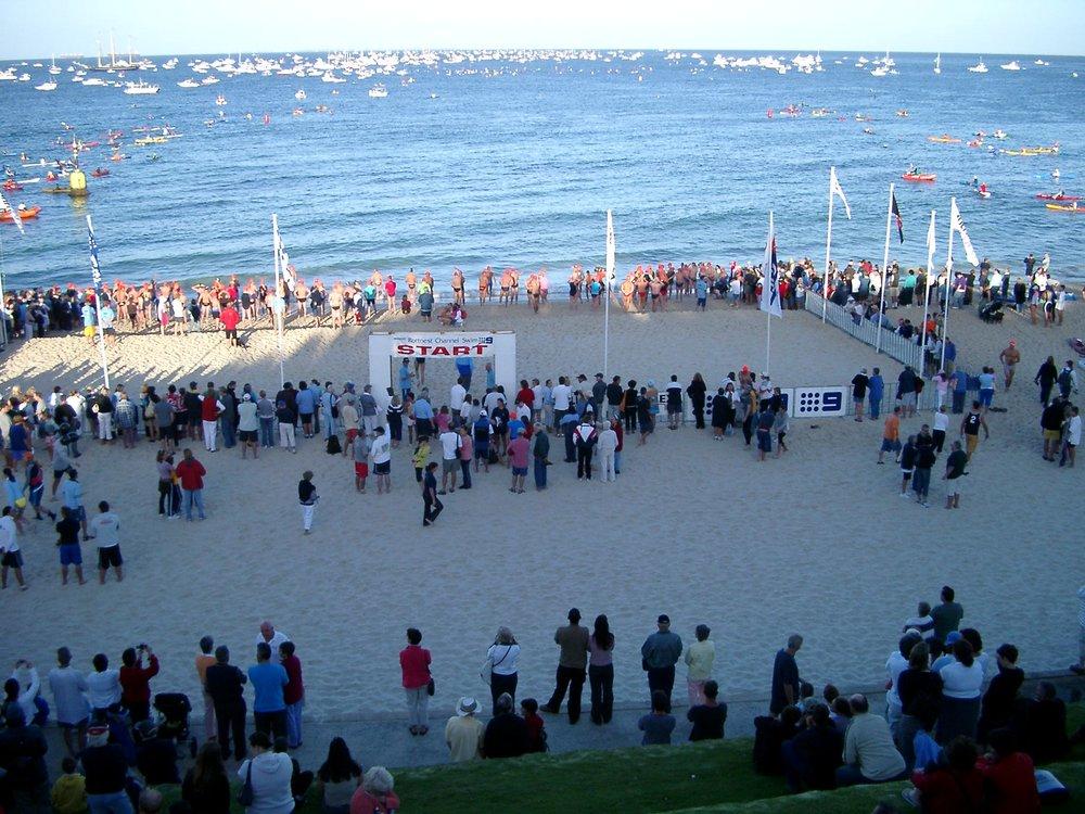 Rottnest-Channel-Swim-start-2004.jpg