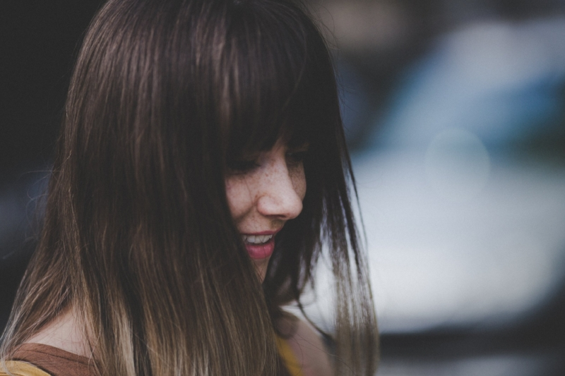 Young-woman-with-dark-hair-smiling-Psychotherapy-for-BPD-Melbourne