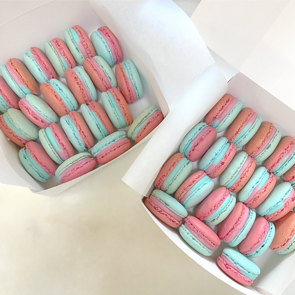Custom Made Babyshower Macarons