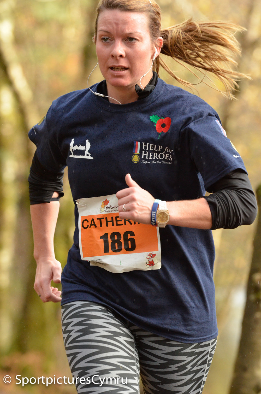 Lady running betws y coed trail challenge for Help for Heroes